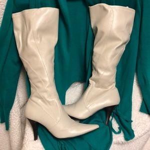 5.5 Low heel Style & Co Vintage Cream color